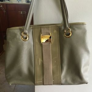 Ferragamo Leonora Shoulder Handbag Purse